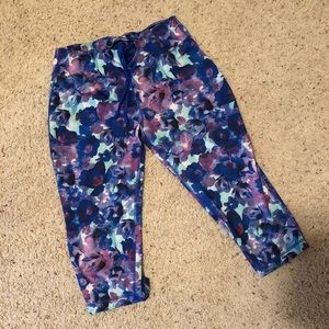 Floral pattern work out leggings